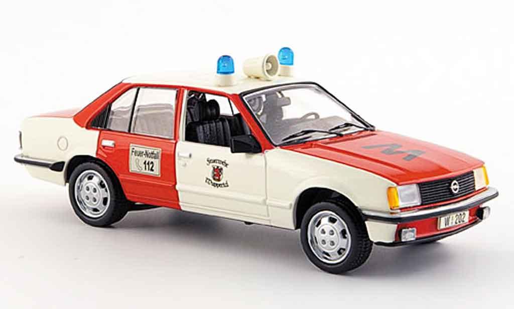 Opel Rekord 1/43 Schuco e pompier wuppertal rouge blanche miniature
