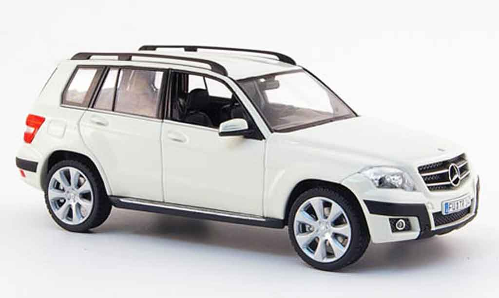 Mercedes Classe GLK 1/43 Schuco Offroad blanche 2008 miniature