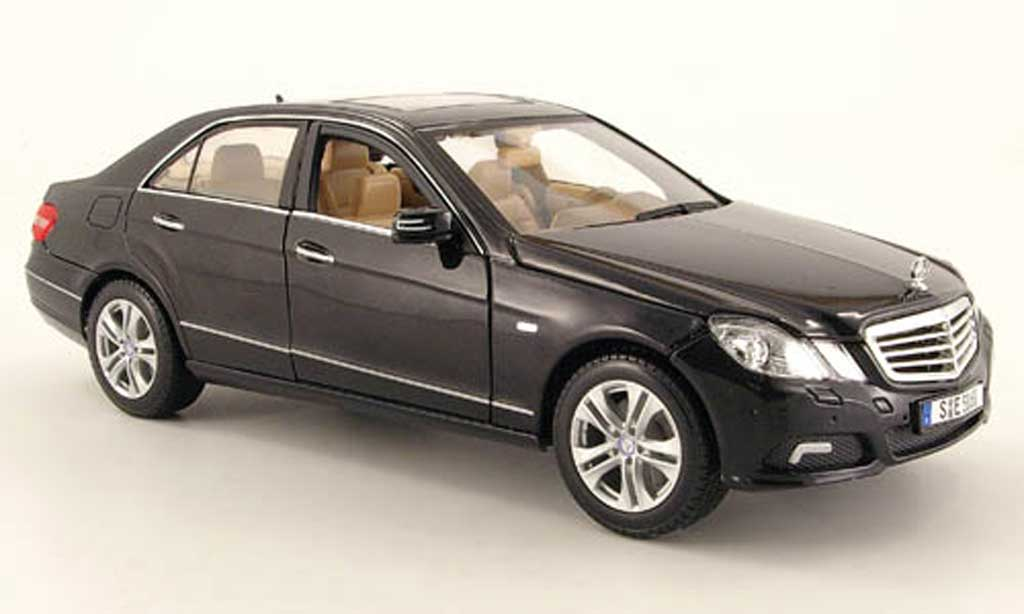 mercedes classe e 350 w 212 black 2009 maisto diecast model car 1 18 buy sell diecast car on. Black Bedroom Furniture Sets. Home Design Ideas