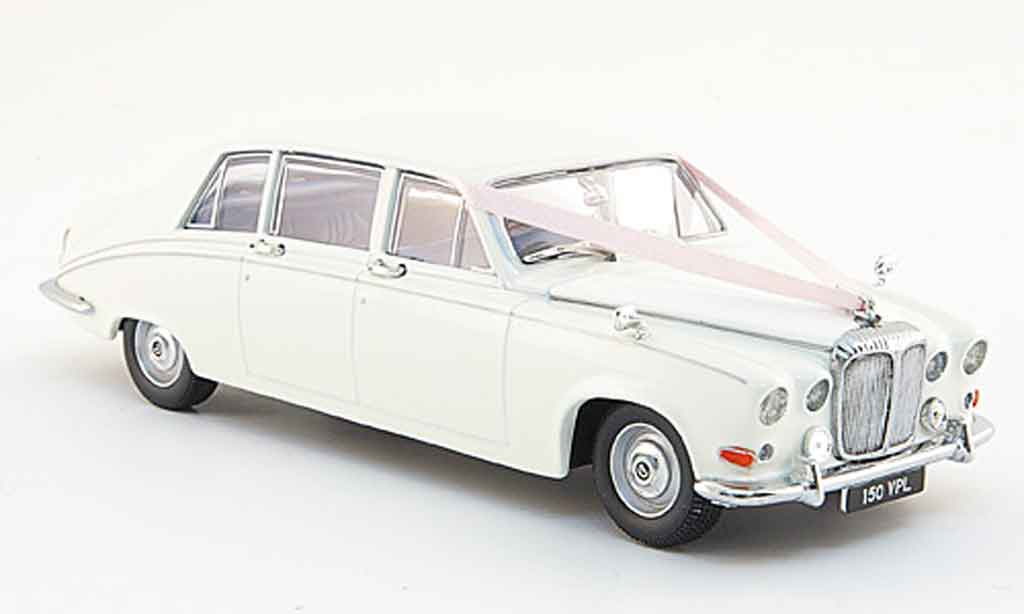 Daimler DS 420 1/43 Oxford Limousine blanche Hochzeitsfahrt miniature