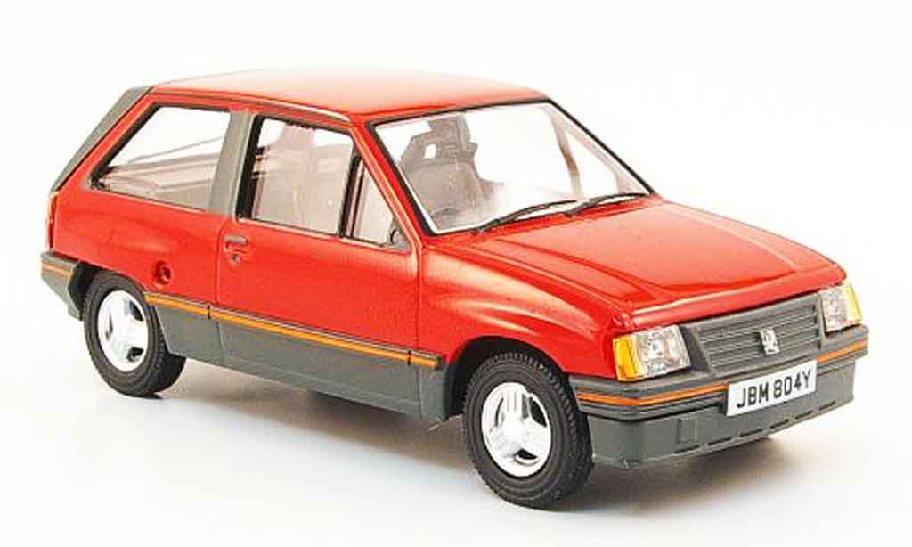 Opel Nova 1/43 Vanguards 1.3 SR rouge miniature
