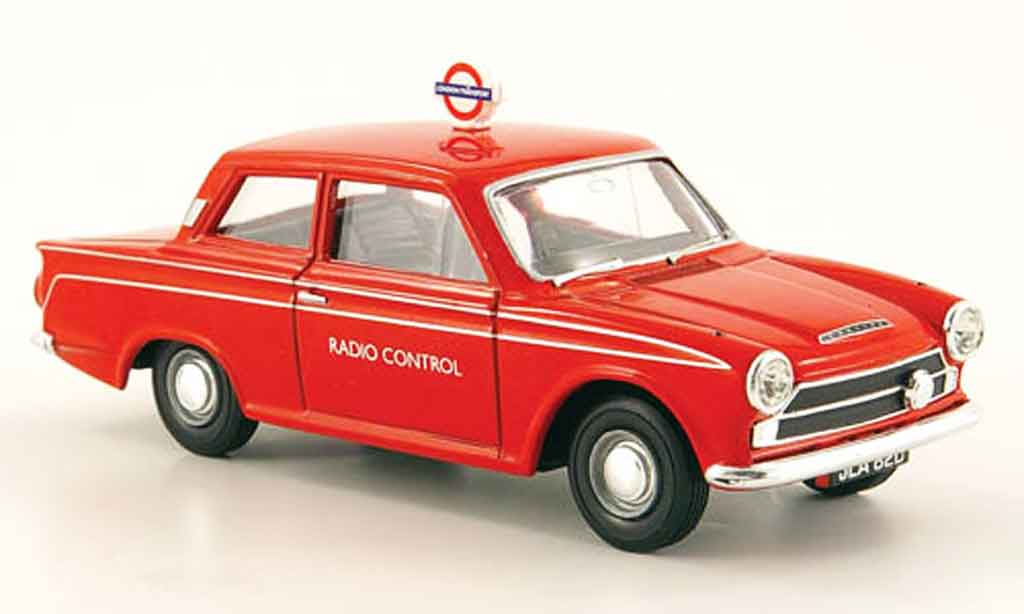 Ford Cortina 1/43 Vanguards MK I rouge London Transport Radio Control miniature