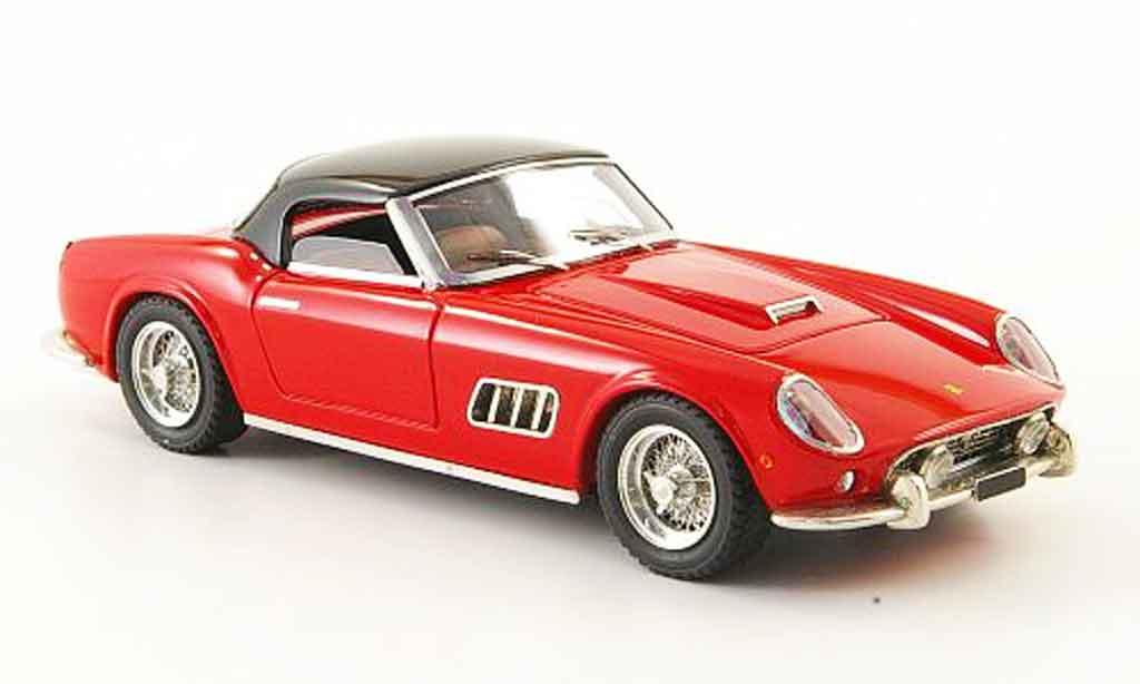 Ferrari 250 GT 1960 1/43 Look Smart california lwb hardtop roja negro miniatura