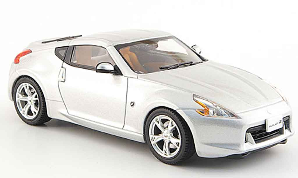 Nissan 370Z 1/43 Ebbro Fairlady Z grise metallisee 2008 miniature