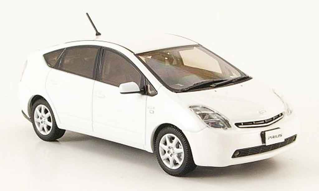 Toyota Prius 1/43 Kyosho ii g blanche touring selection miniature