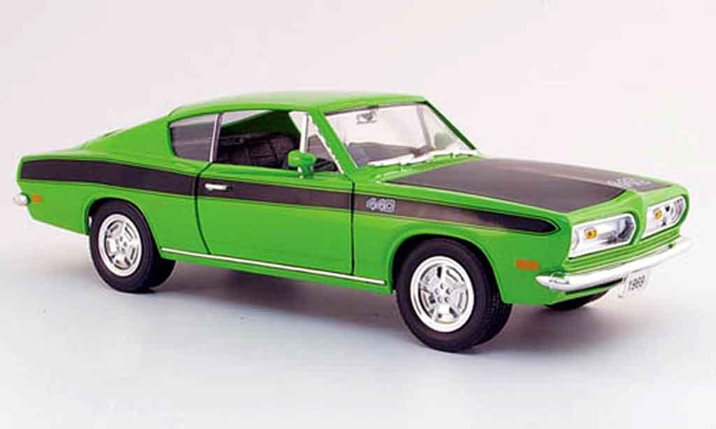 Plymouth Barracuda 1969 1/18 Yat Ming 440 verte noire miniature