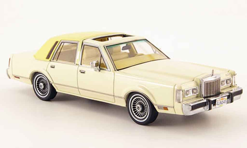 Lincoln Town Car 1982 1/43 Neo 1982 creme miniature