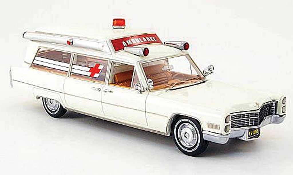 Cadillac S & S 1/43 Neo Ambulance bianca  1966