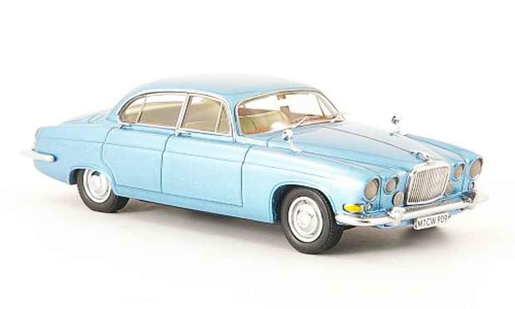 Jaguar MK 10 1/43 Neo bleu edition liavecee 300 1967 miniature