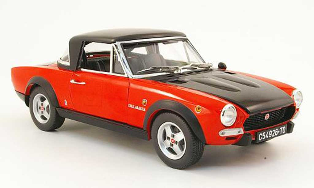 Fiat 124 Spider 1/18 Sun Star csa rouge/mattnoire 1972 miniature
