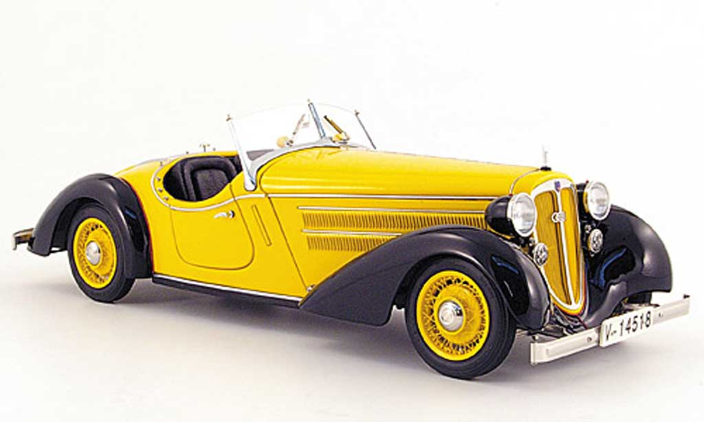 Audi 225 1/18 CMC front roadster black/yellow 1935
