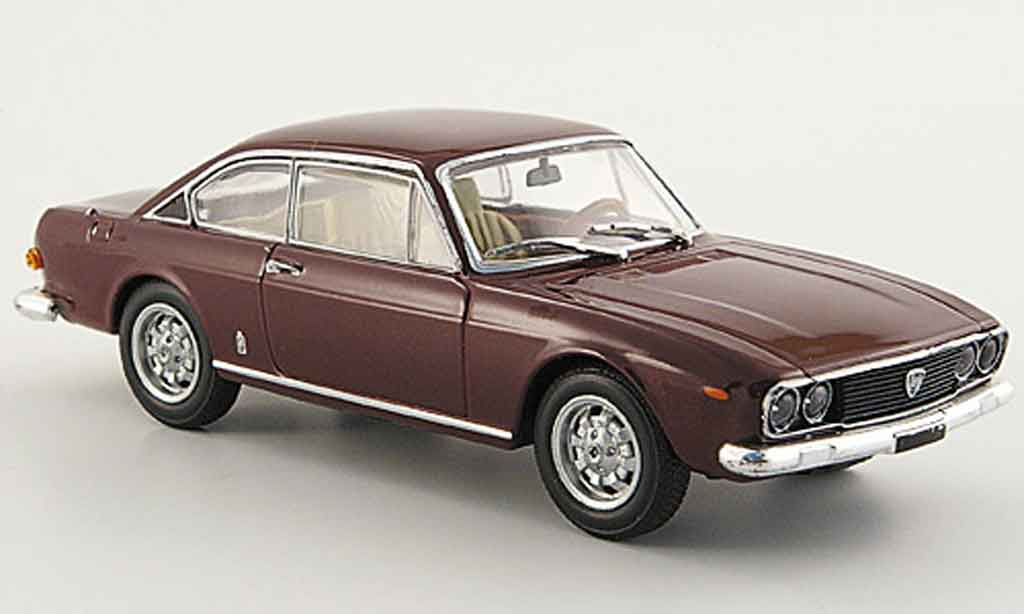 lancia flavia coupe 2000 red mcw diecast model car 1 43 buy sell diecast car on. Black Bedroom Furniture Sets. Home Design Ideas