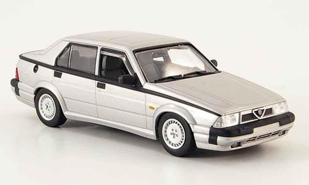 Alfa Romeo 75 V6 1/43 Minichamps 3.0 america grise metallisee 1987 miniature