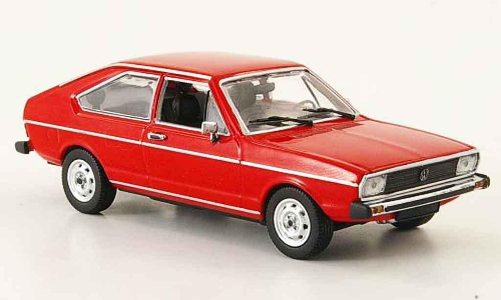 Volkswagen Passat 1/43 Minichamps rouge 1975
