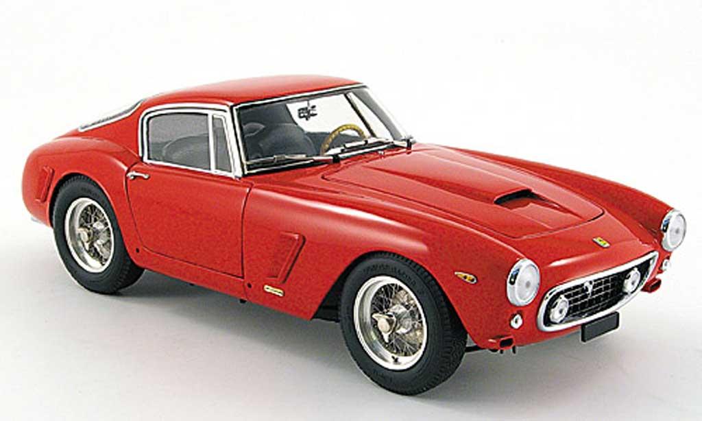 Ferrari 250 GT 1961 1/18 CMC swb competizione rouge miniature
