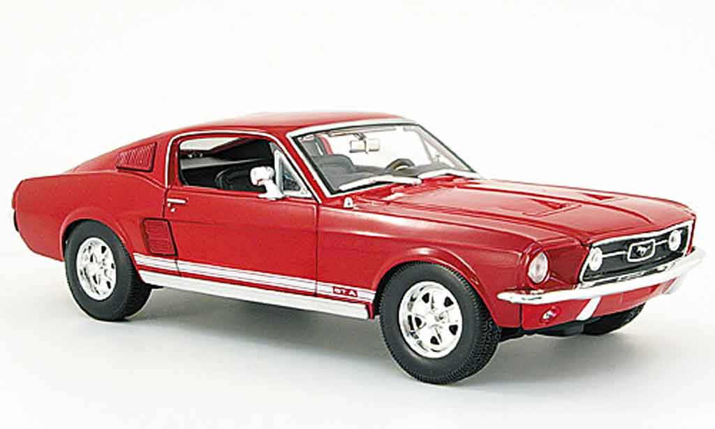 Ford Mustang 1967 1/18 Maisto gta fastback rouge miniature