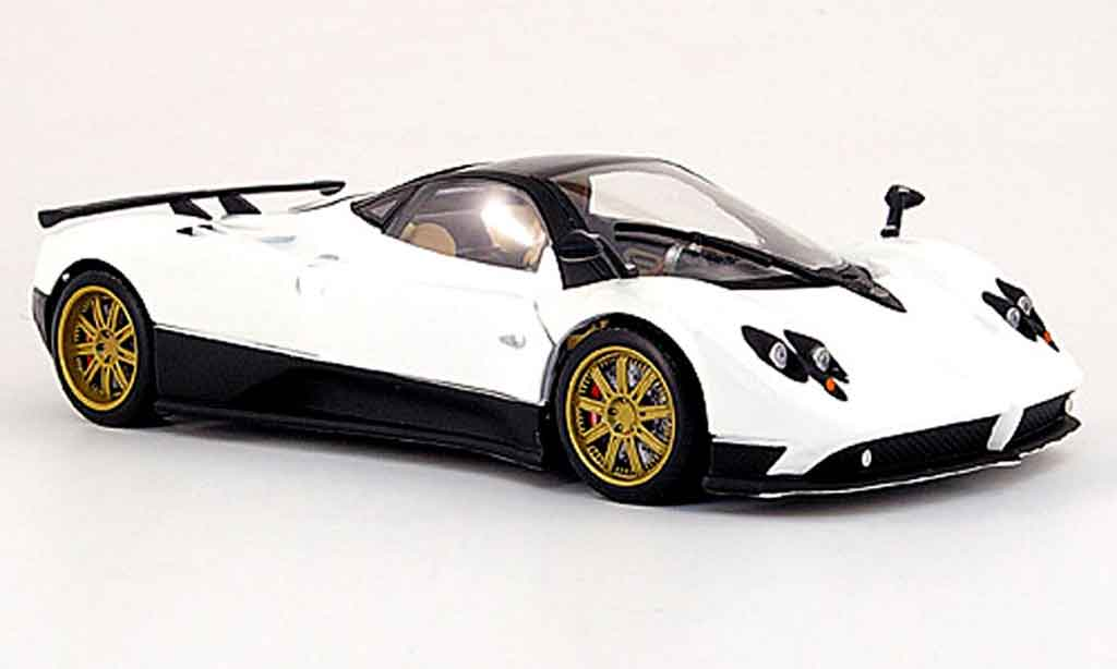 Pagani Zonda F 1/18 Mondo Motors blanche miniature