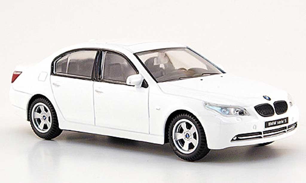 Bmw 535 E60 1/43 Mondo Motors d blanche miniature