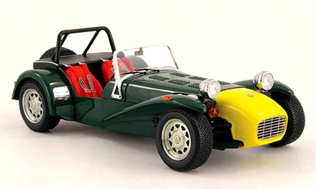 caterham super seven miniature verte et jaune kyosho 1 18 voiture. Black Bedroom Furniture Sets. Home Design Ideas