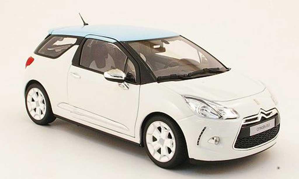 DS Automobiles DS3 1/18 Norev blanche/bleu 2010 miniature