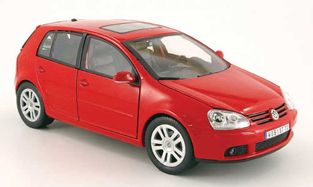 Volkswagen Golf V GTI red Burago. Volkswagen Golf V GTI red miniature 1/18
