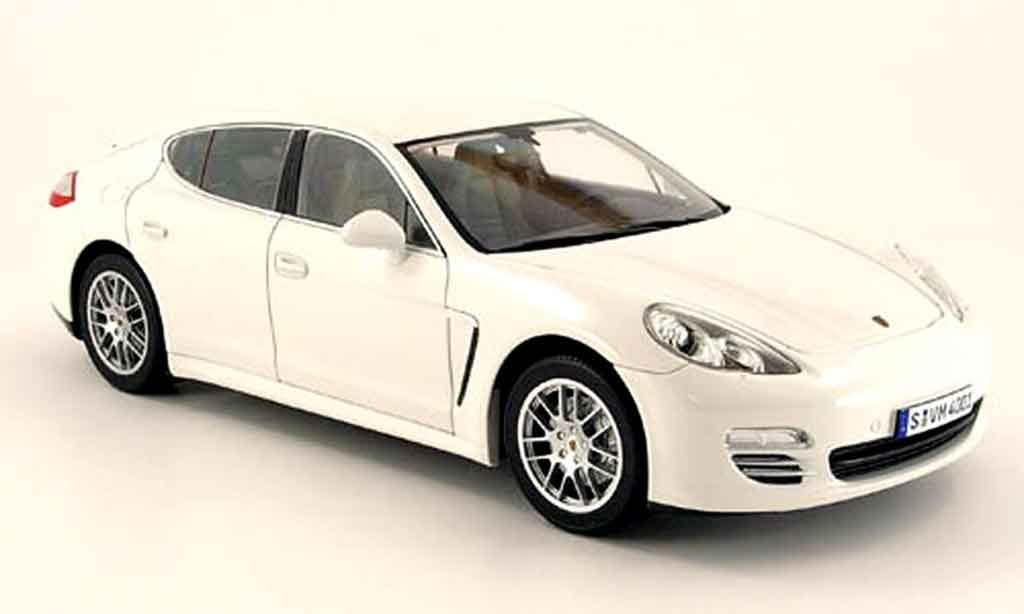 porsche panamera 4s weiss 2009 norev modellauto 1 18 kaufen verkauf modellauto online. Black Bedroom Furniture Sets. Home Design Ideas
