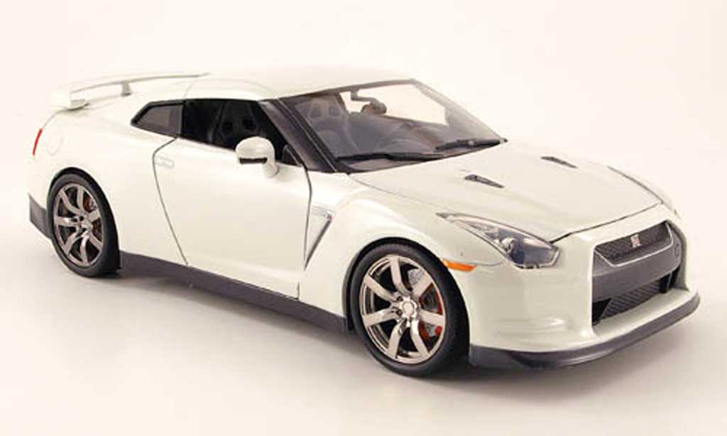 nissan skyline r35 miniature gt r blanche 2009 jada toys 1. Black Bedroom Furniture Sets. Home Design Ideas