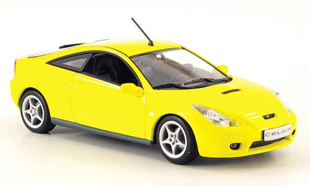 Toyota Celica 1/43 Minichamps jaune 2000 miniature