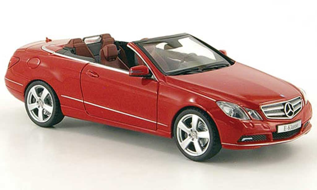 Mercedes Classe E 1/43 Schuco Cabriolet (A207) rouge 2010