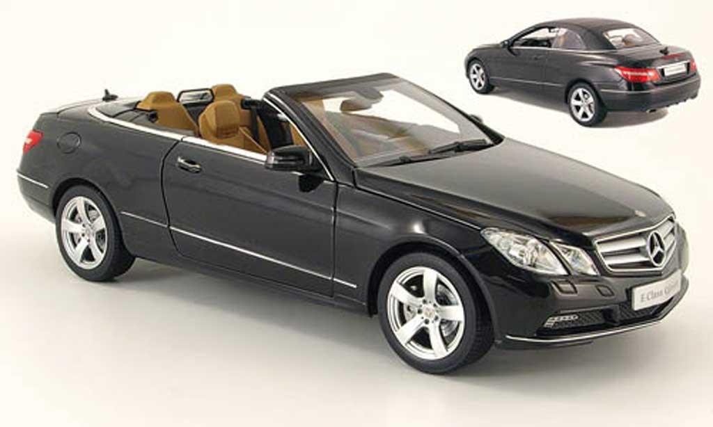 Mercedes Classe E 1/18 Norev cabriolet (a207) noire 2010 miniature