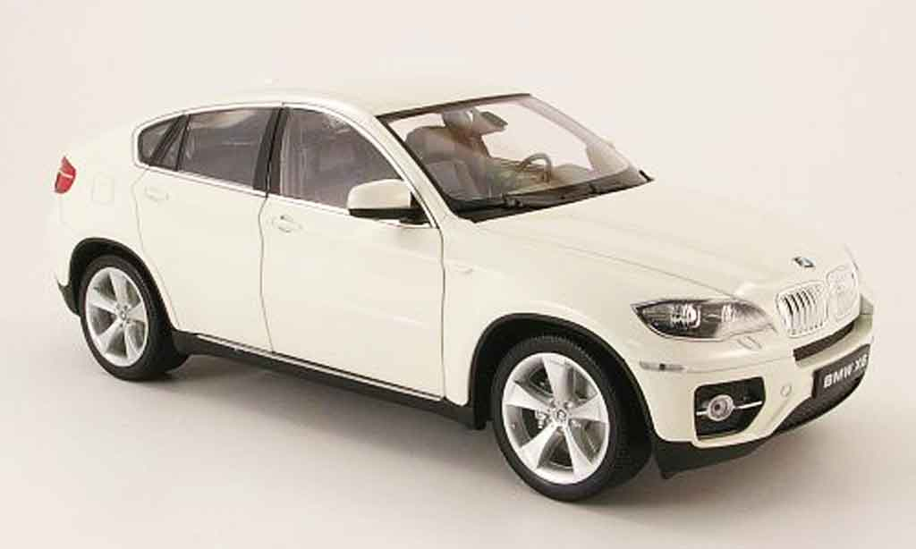 bmw x6 e71 miniature blanc welly 1 18 voiture. Black Bedroom Furniture Sets. Home Design Ideas