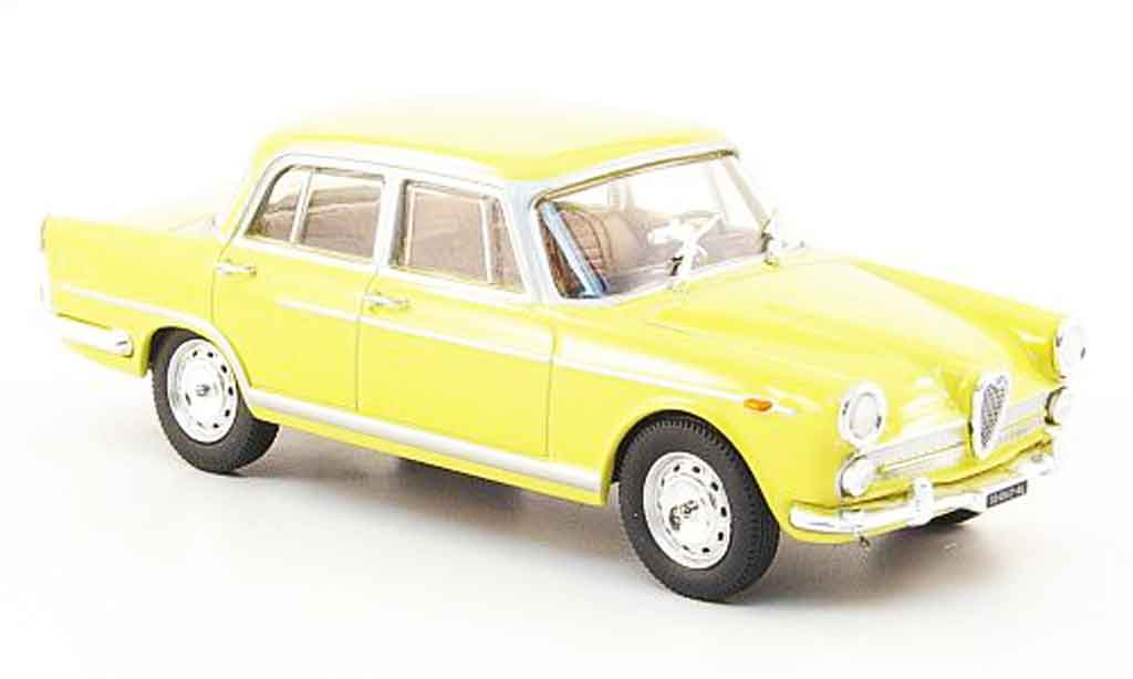 Alfa Romeo 2000 1957 1/43 Starline berline yellow 1957 diecast