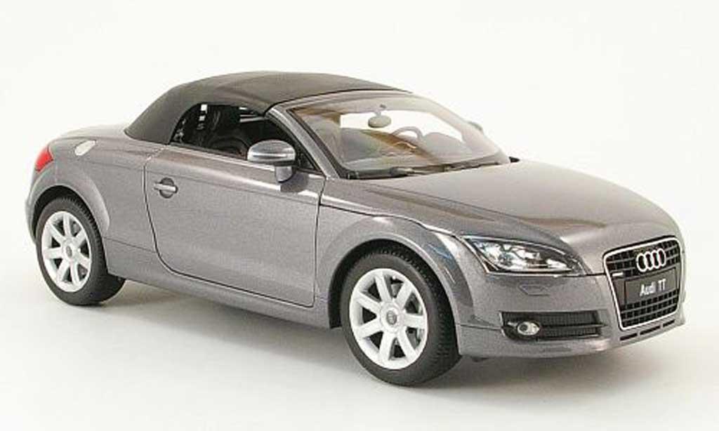 audi tt roadster miniature grise avec capote welly 1 18 voiture. Black Bedroom Furniture Sets. Home Design Ideas