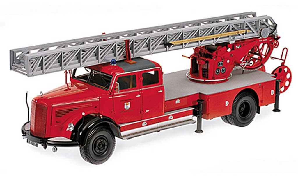 Mercedes L 6600 1/18 Minichamps DL30 Feuerwehr Wolfsburg 1950 miniature