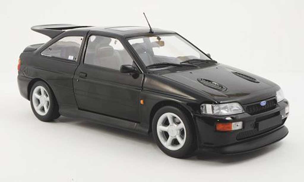 Ford Escort Cosworth 1/18 Minichamps  noire 1992 miniature