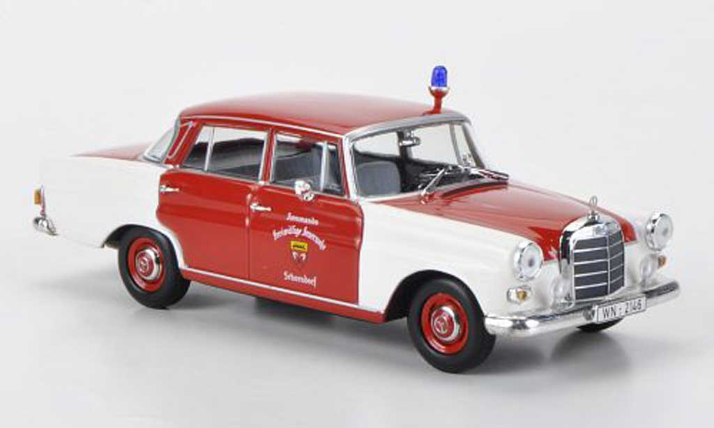 Mercedes 200 1/43 Minichamps (W110) pompier Schorndorf 1965