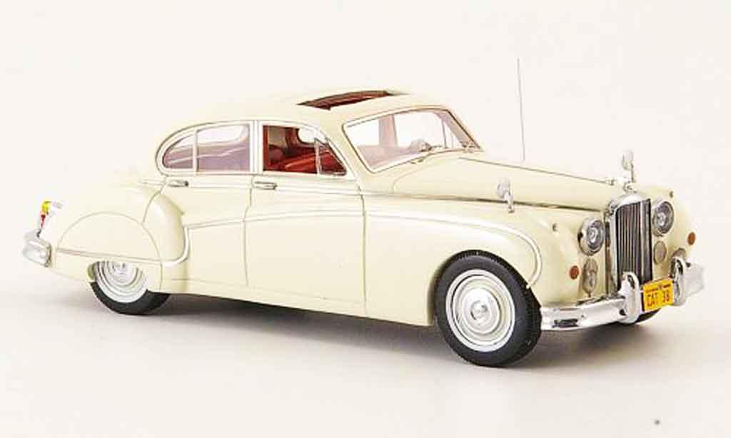 Jaguar MK 9 1/43 Neo creme blanche lhd avec interieur rouge 160 miniature