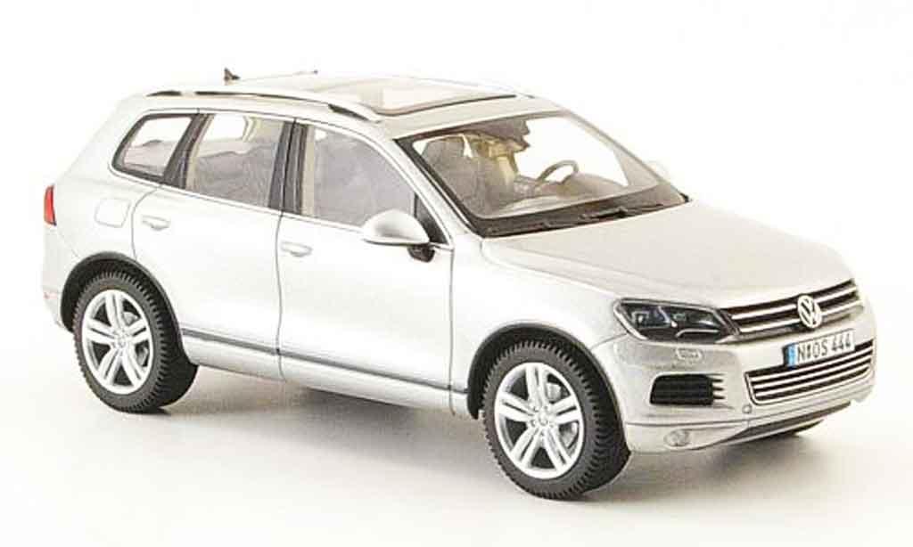 Volkswagen Touareg 1/43 Schuco ii grise metallisee 2010 miniature
