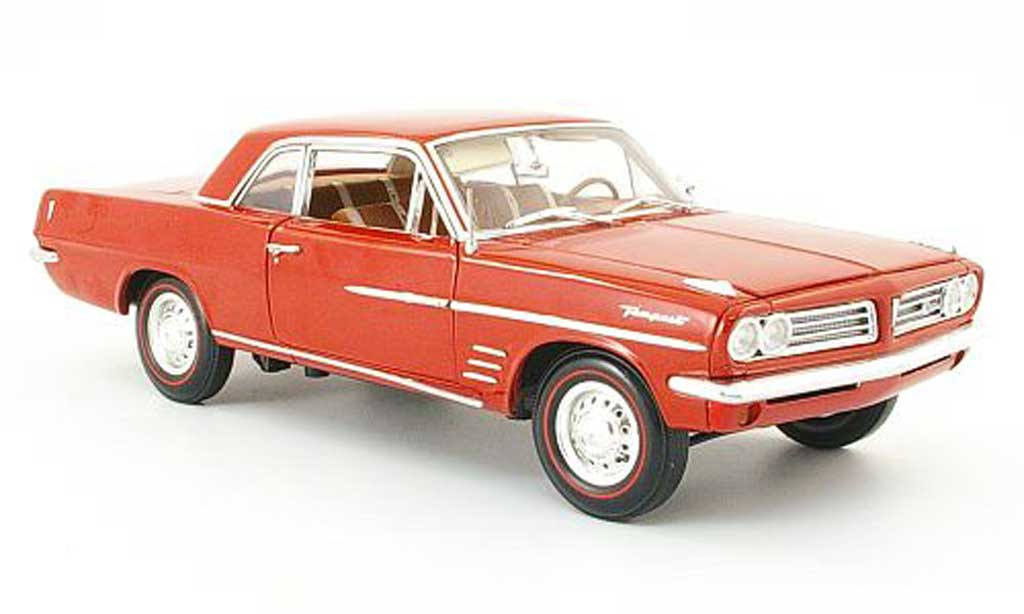 Pontiac Tempest 1/18 Highway 61 coupe rouge-marron 1963 miniature