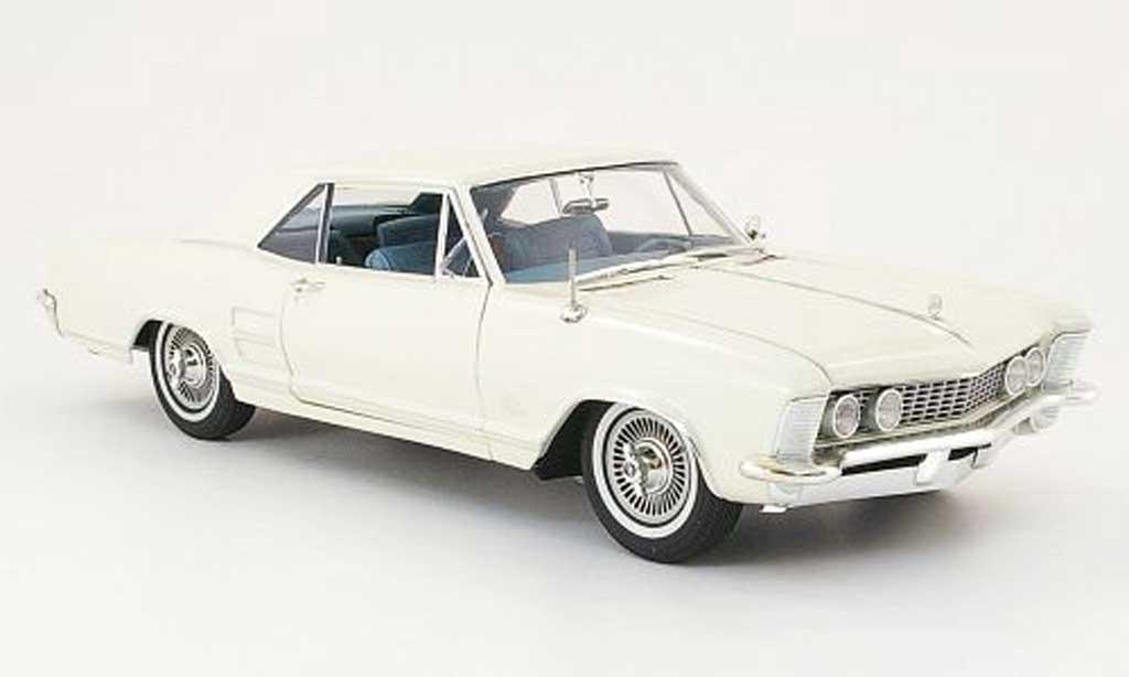 Buick Riviera 1964 1/18 Highway 61 beige miniature