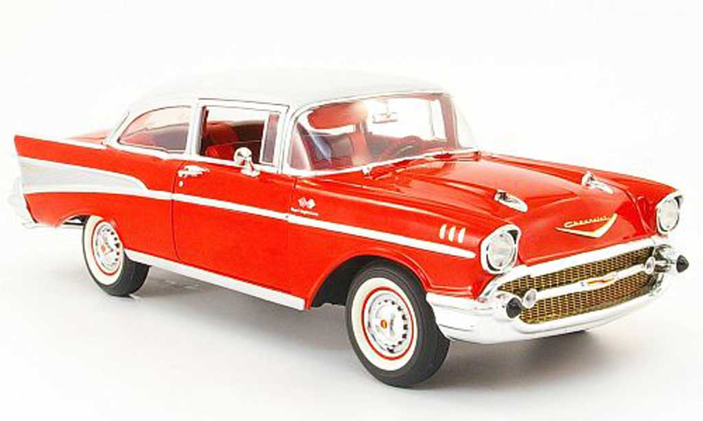 Chevrolet Bel Air 1957 1/18 Highway 61 Sedan rouge/grise 2-portes miniature