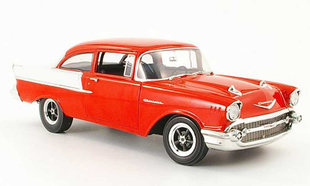 Chevrolet Bel Air 1957 1/18 Highway 61 150 utility sedan rouge/cremeblanche miniature