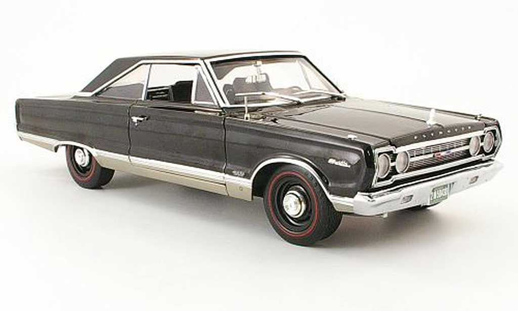 Plymouth Satellite 1/18 Highway 61 noire 1967 miniature