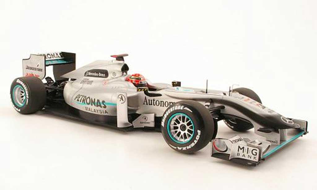 Mercedes F1 1/18 Minichamps GP MGP W01 No.3 Petronas M.Schumacher Saison 2010 miniature