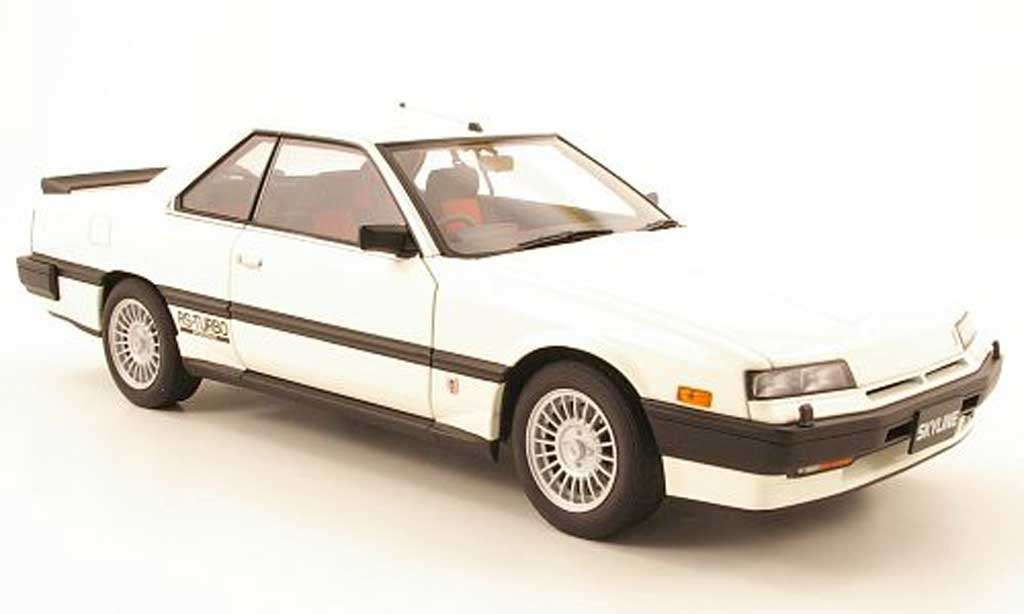Nissan Skyline RS Turbo 1/18 Autoart hardtop 2000 turbo rsx (dr30) blanche 1983 miniature