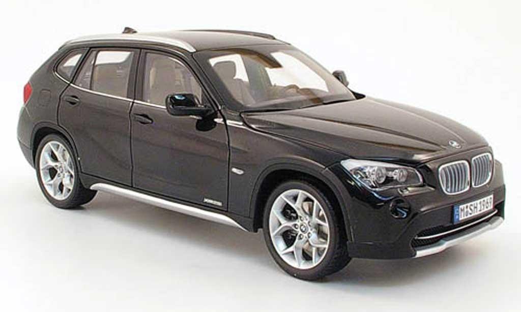 Bmw X1 1/18 Kyosho xDrive 28i negro miniatura