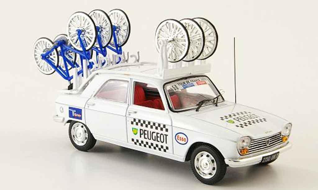 Peugeot 204 Berline bp michelin tour de france 1970 Norev. Peugeot 204 Berline bp michelin tour de france 1970 Michelin miniature 1/43