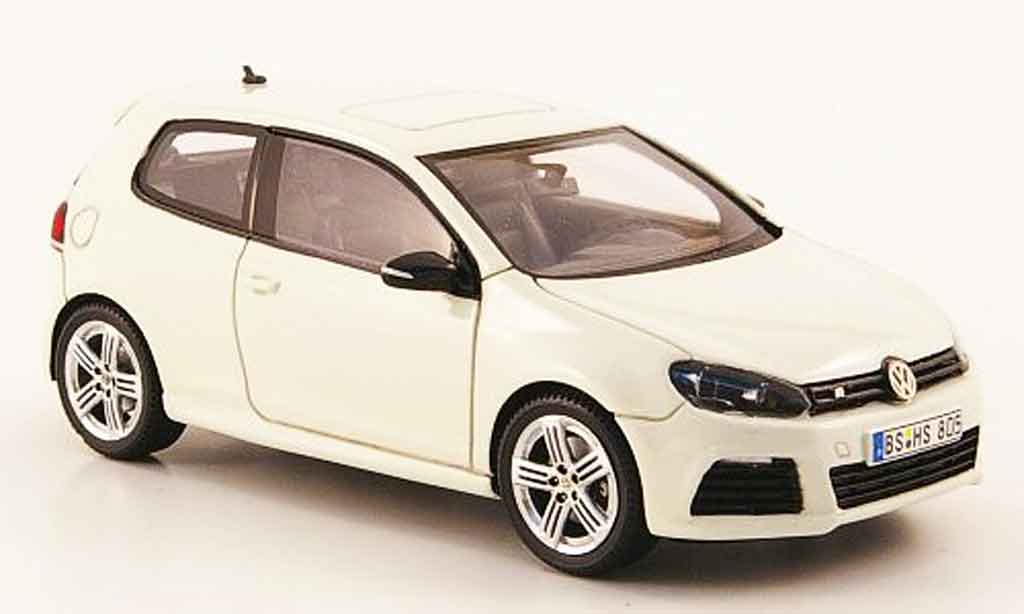 volkswagen golf v miniature r blanche 2009 provence moulage 1 43 voiture. Black Bedroom Furniture Sets. Home Design Ideas