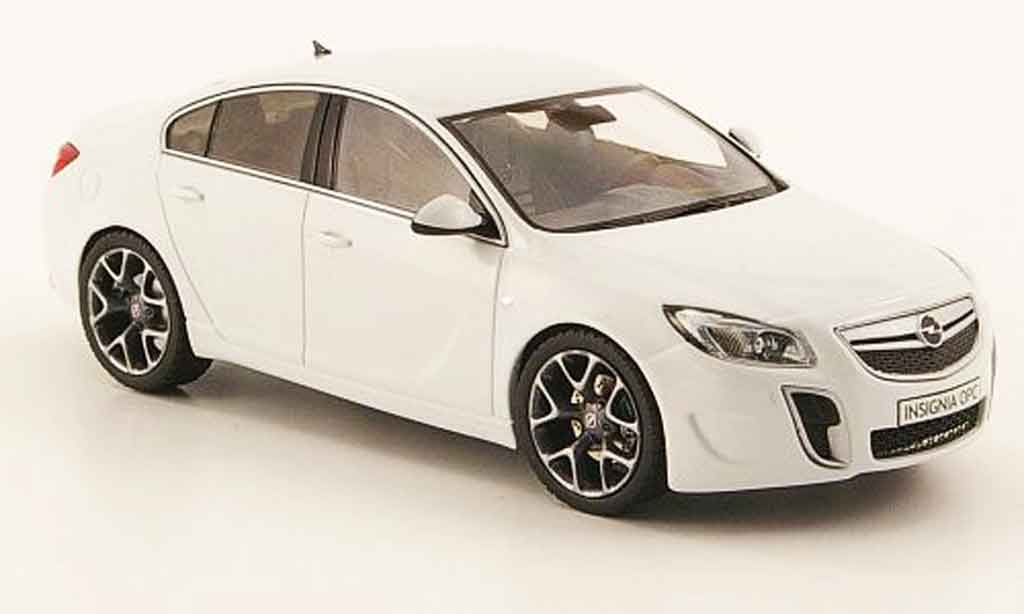 opel insignia opc miniature blanche 2009 schuco 1 43 voiture. Black Bedroom Furniture Sets. Home Design Ideas