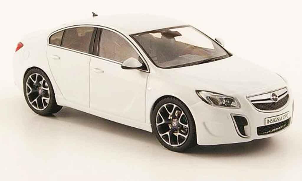 Opel Insignia OPC 1/43 Schuco blanche 2009 miniature